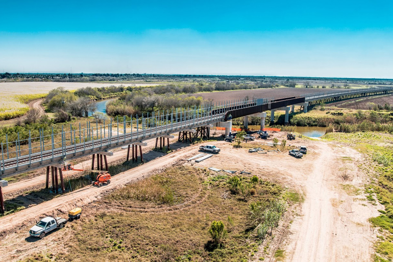 The first new rail bridge to mexico in more than a century for Texas bridge series