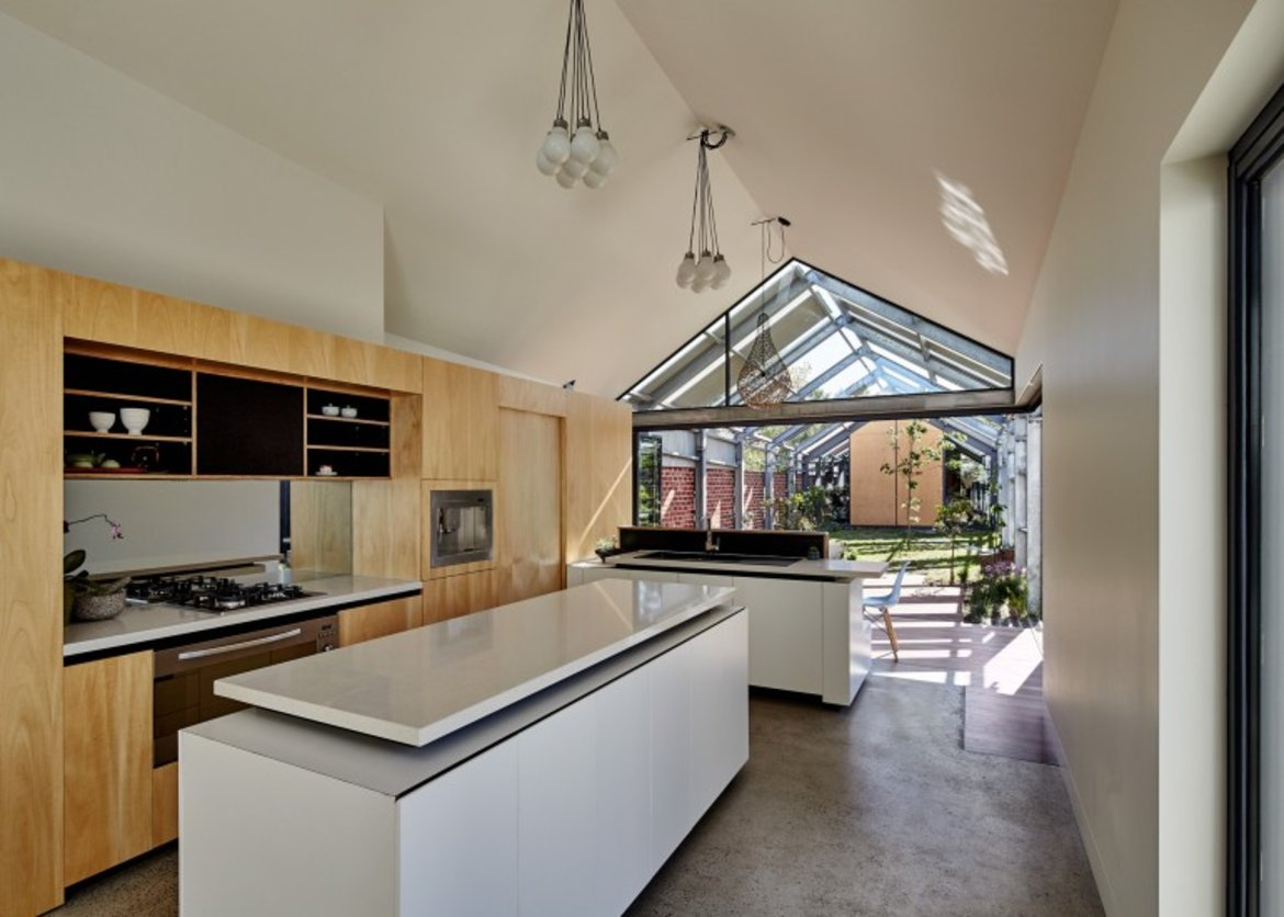 kitchen+area+of+the+inside-out+home+extension